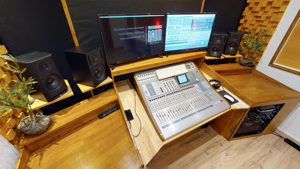 Mit 360 durchs Tonstudio Mischpult